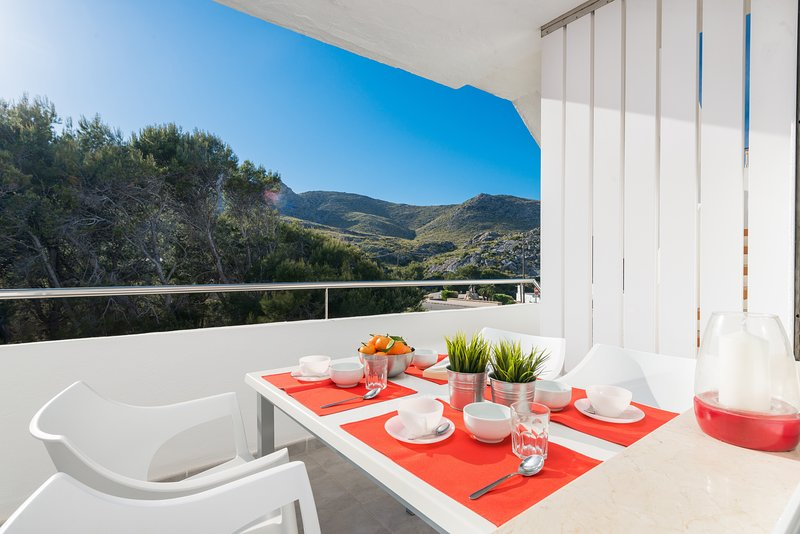 CALA CLARA - Apartment for 4 people in Cala Sant Vicenç, location de vacances à Cala Sant Vicenc