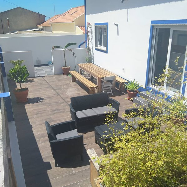 Casa Do Titou, surf and chill in Portugal., holiday rental in Ferrel