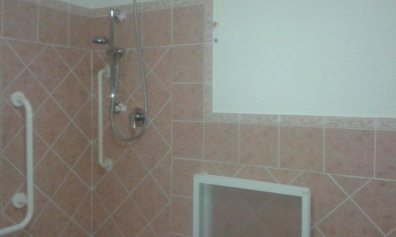 Nice apartment with balcony, holiday rental in Villacidro