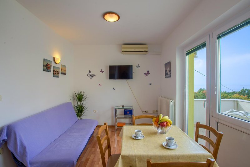 Kraljevica Apartment Sleeps 3 with Air Con - 5807305, vacation rental in Kraljevica