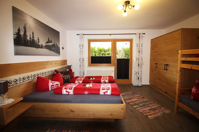 Apart Kröll - Holidays in the Zillertal - Pets welcome! Chalet in Zell am Ziller