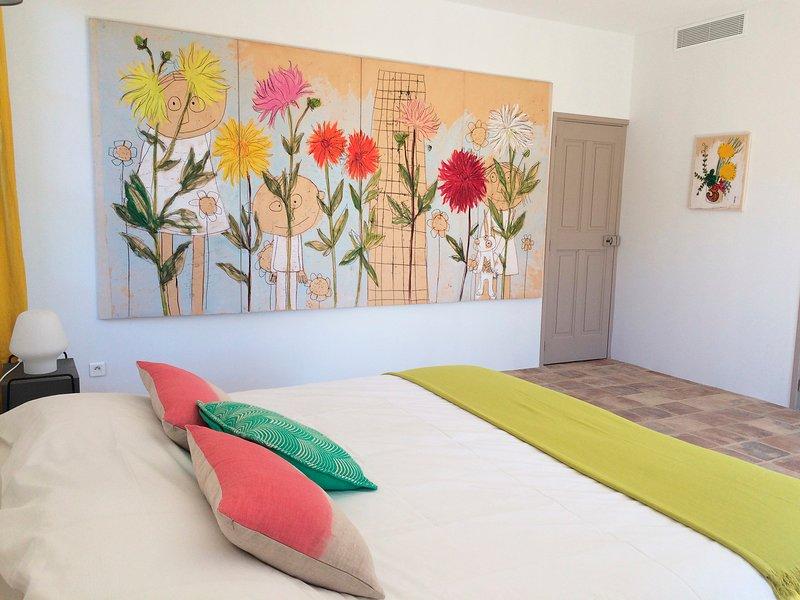 Les Toiles du 15, CHAMBRE 1 ,un lieu privilégié dans un cadre atypique !, holiday rental in Serviers-et-Labaume