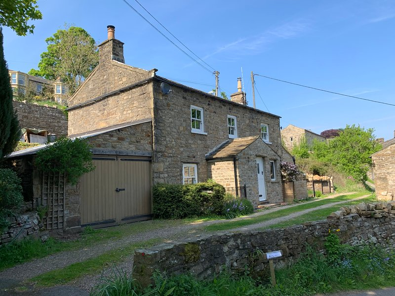 Swale View, Traditional Dales Cottage in Low Row, near Reeth, casa vacanza a Low Row
