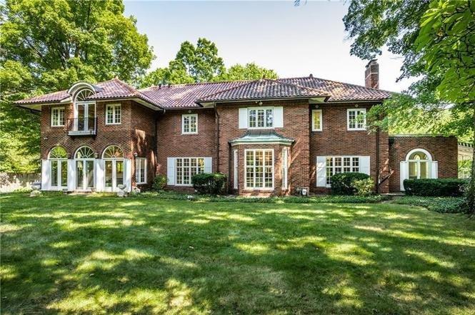 Iconic Home in Williams Creek, location de vacances à Fortville
