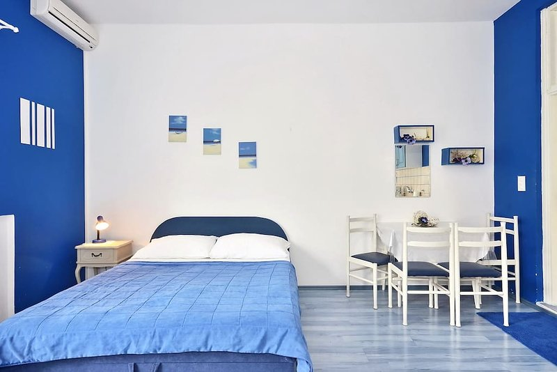 Blue Apartment Promajna, vacation rental in Promajna