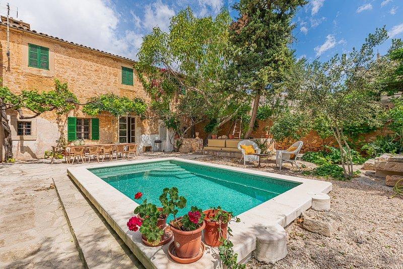 Ca Sa Padrina, piscina privada , wifi, oasis en Santanyi, location de vacances à Santanyi