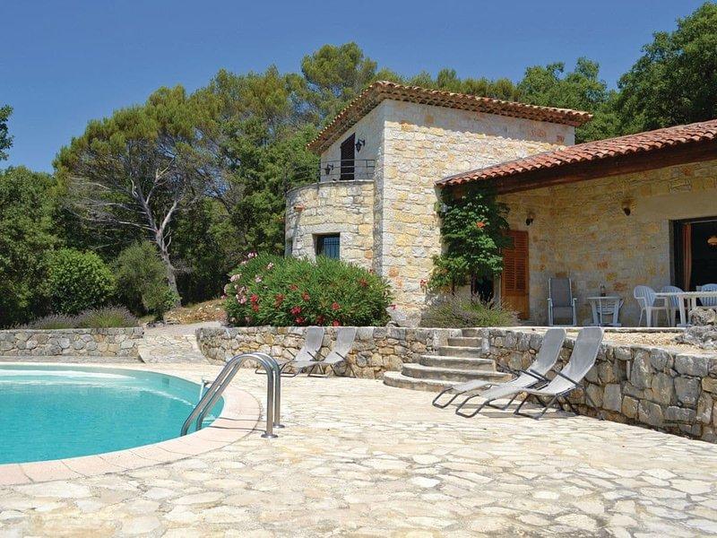 Peaceful, spacious 3 bed Villa, location de vacances à Caille