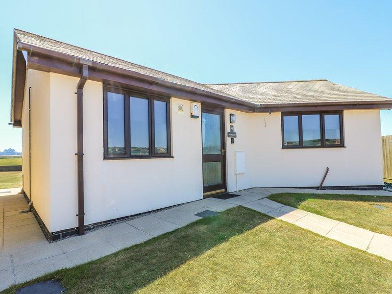 SHORELINE, purpose built holiday bungalow, 100yds to seashore, wonderful sea, holiday rental in Crowlas