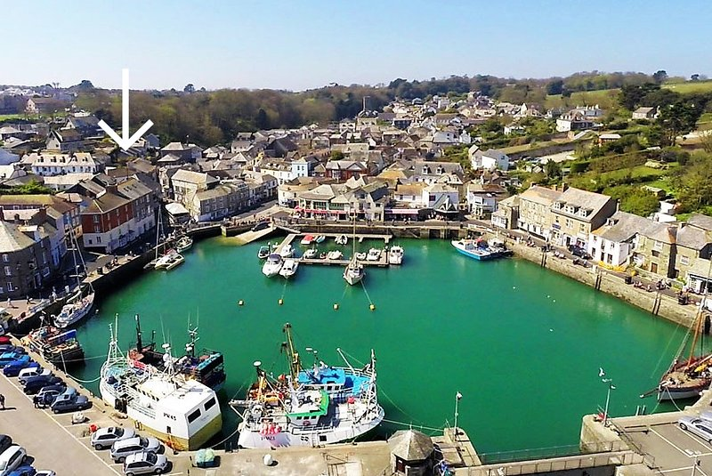 Apartment in town centre with parking, holiday rental in Padstow