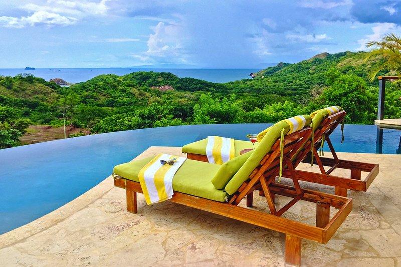 'Casa Acuario' 4BR Playa Conchal House w/Pool!, aluguéis de temporada em Matapalo