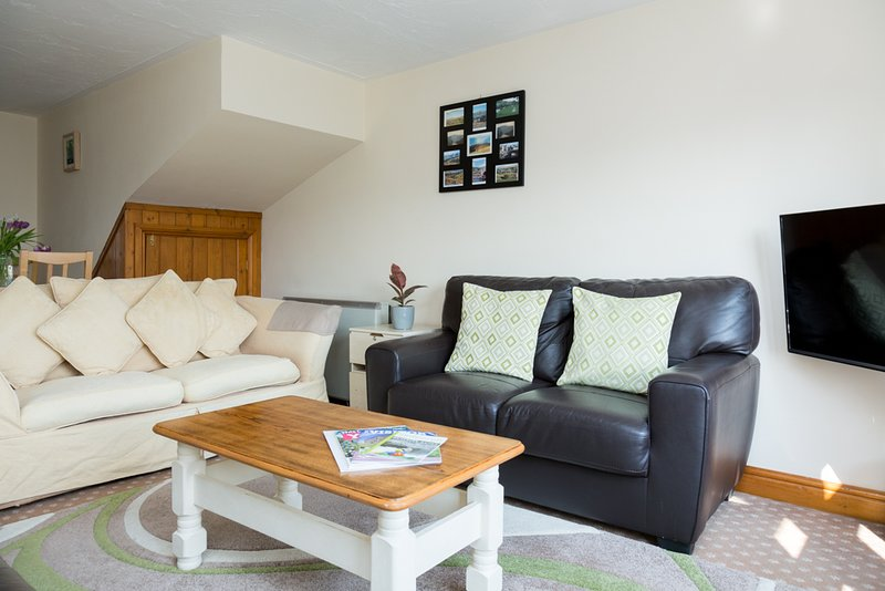 Howgills Apartments - Apartment 10 (sleeping up to 6 guests in total), holiday rental in Yorkshire Dales National Park