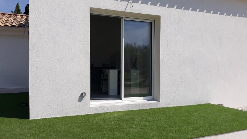 Amazing house near the beach, holiday rental in Berre l'Etang
