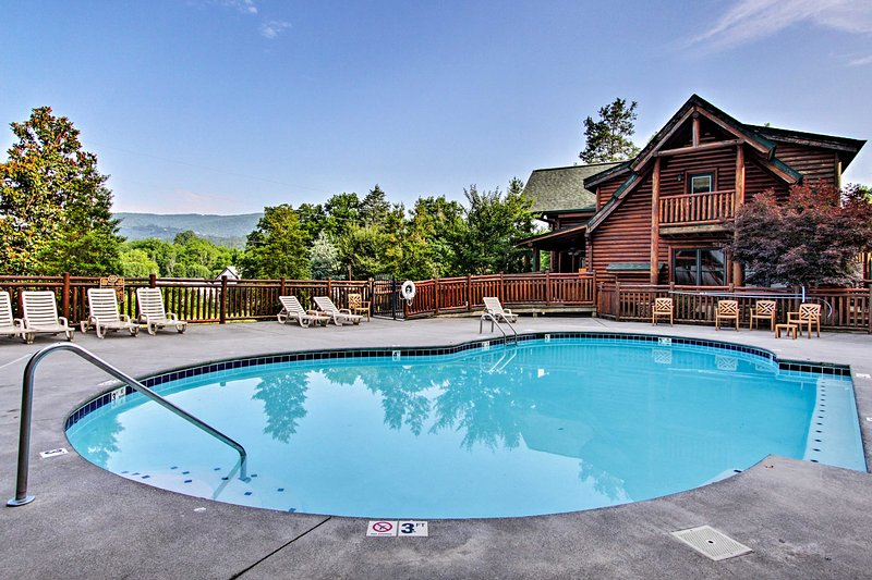 Up to 18 guests will enjoy access to the Covered Bridge Resort pool!
