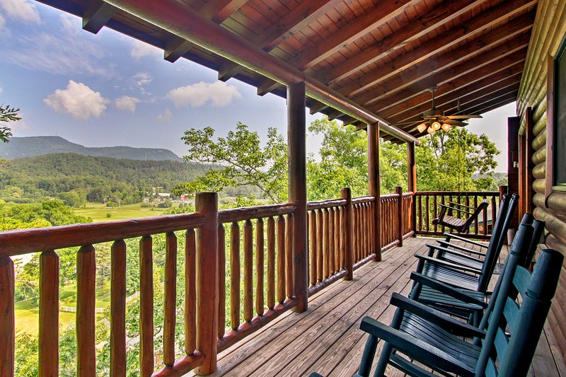 Find your bliss at this Pigeon Forge vacation rental cabin!