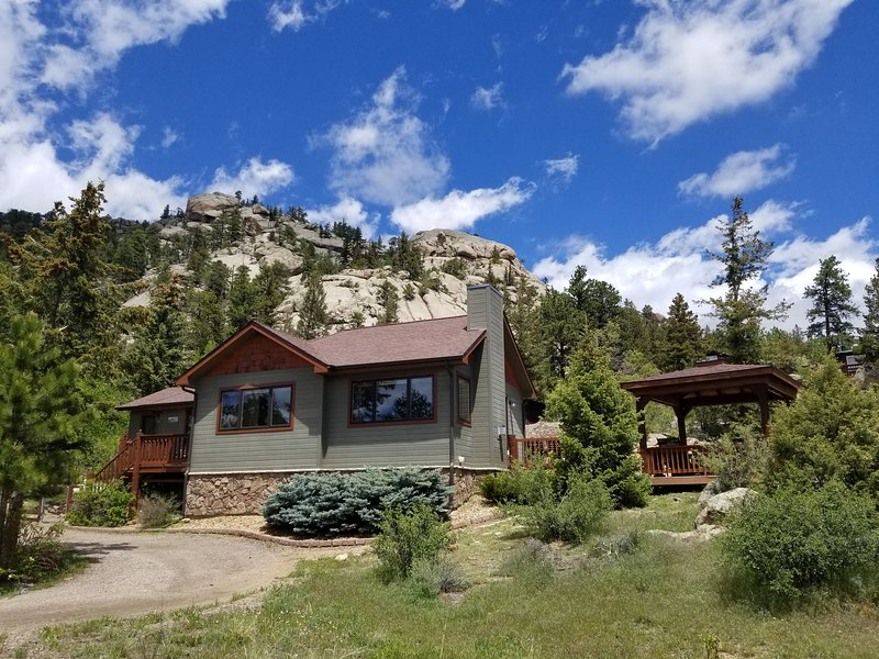 Swell Updated Vintage Cabin With Spectacular Views Rocks And Hot Home Interior And Landscaping Ferensignezvosmurscom