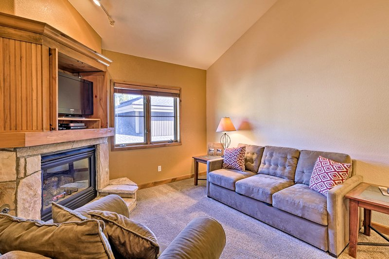 Keep cozy on your ski retreat with this Breckenridge condo!