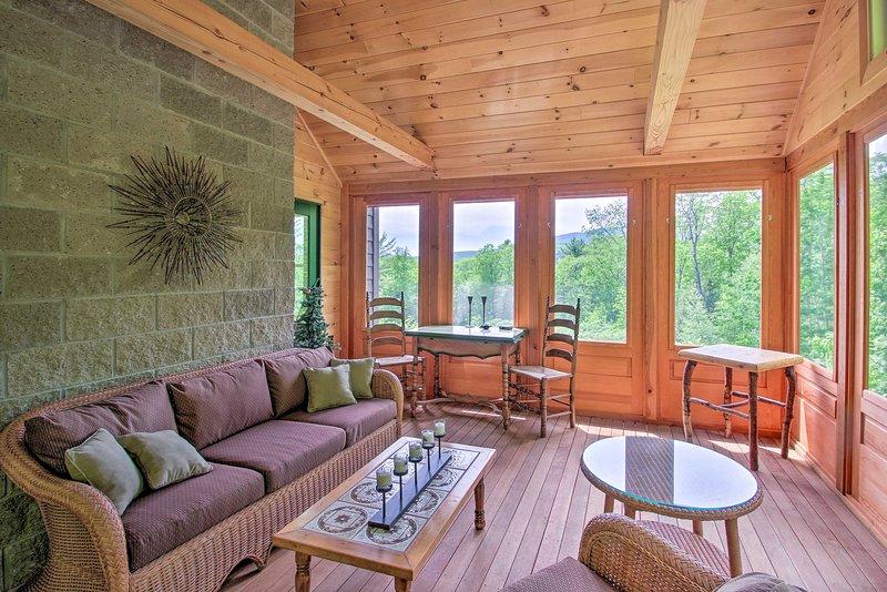Home w/Fire Pit, 10min to Attitash Mtn Resort, casa vacanza a Jackson