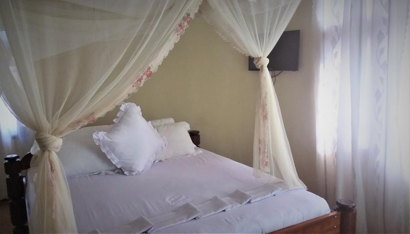 Furaha Lodge Deluxe Queen Room 2, location de vacances à Arusha