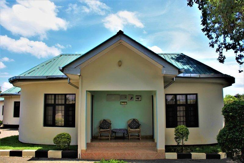 Furaha Lodge Deluxe Queen Room 8, location de vacances à Arusha