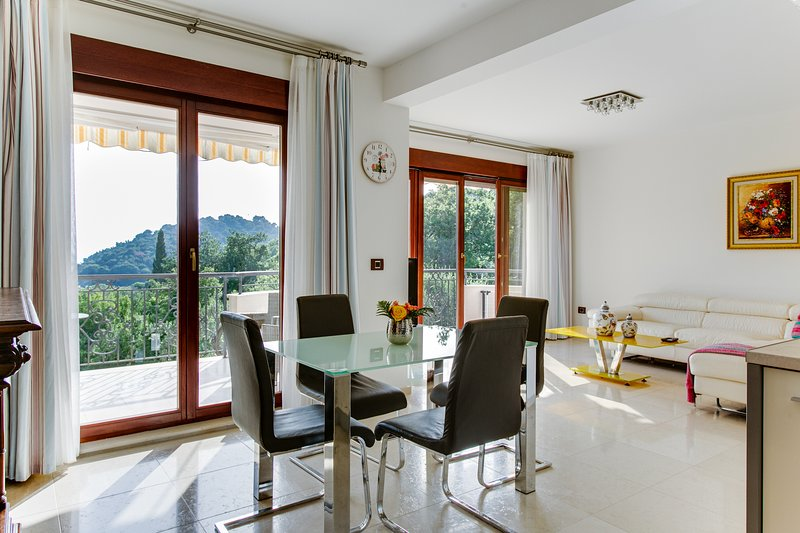 Apartment Lost in Paradise with sea view, holiday rental in Canj