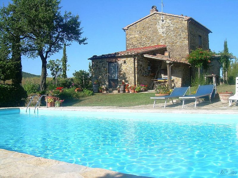 Le Pianacce Villa Sleeps 5 with Pool and Air Con - 5229672, holiday rental in Pratolungo