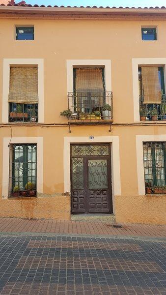 Spacious house with garden & Wifi, holiday rental in San Bartolome de Pinares