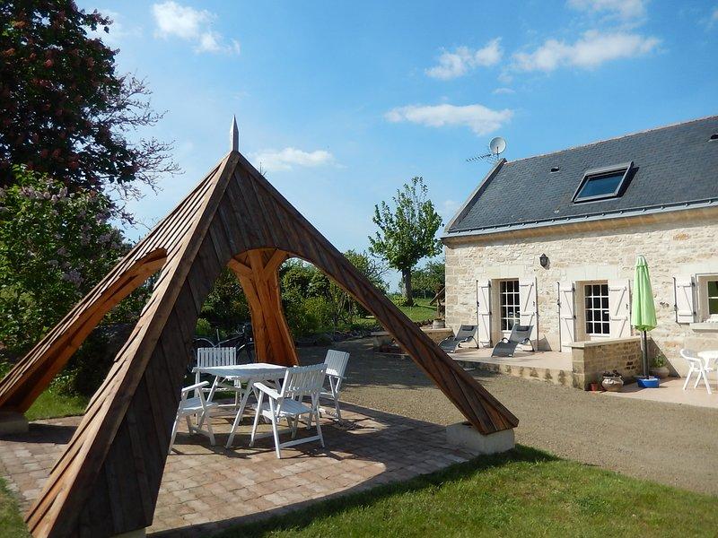 Gite Oenotourisme ' Loire Anjou' -4 chambres -SAUMUR - ANGERS -VAL DE LOIRE, vacation rental in Doue-la-Fontaine