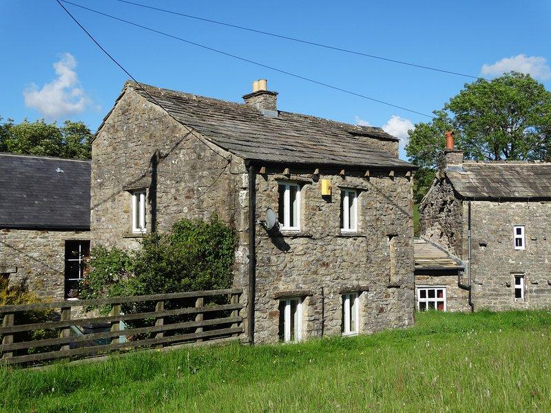 THE SMITHY, en-suite, countryside views, Yorkshire Dales National Park, Ref, location de vacances à Keld