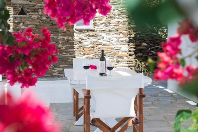 Family home in a picturesque village in Sifnos, location de vacances à Artemonas