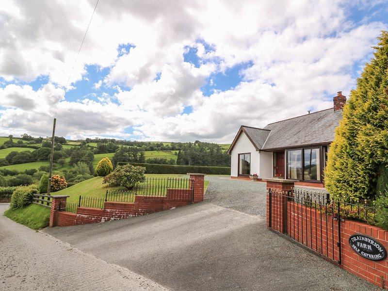 DRAINBYRION FARM HOUSE, all ground floor, stunning scenery, near Llanidloes, casa vacanza a Llangurig