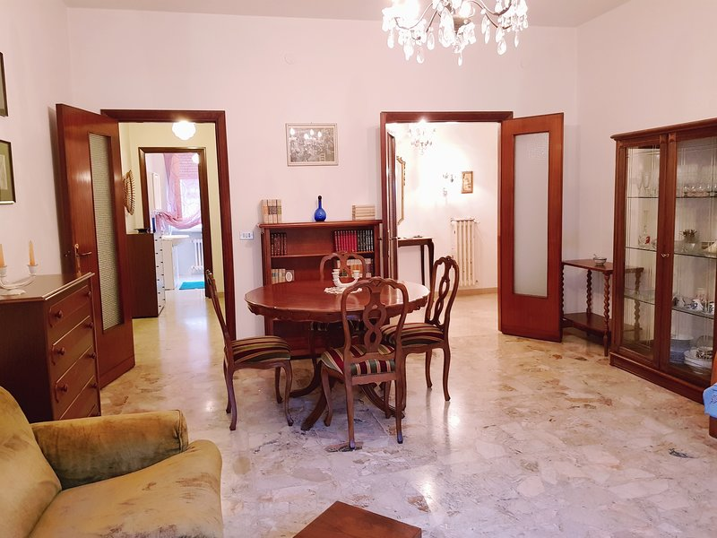 2 BR Nice apt for summer holidays close to beach,, vacation rental in Spoltore
