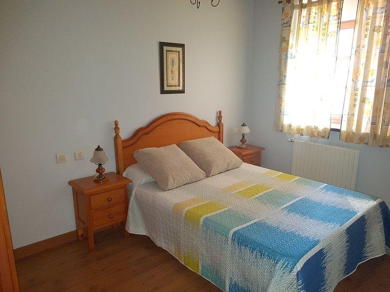Apartamento de 1 dormitorio en Arancedo, aluguéis de temporada em Valdepares
