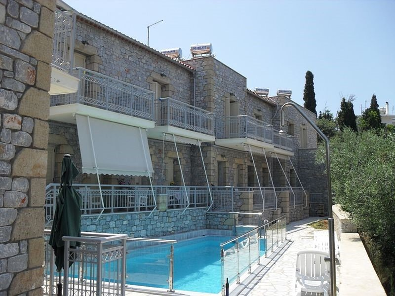 Manoleas Villas- Apartment 1, vacation rental in Stoupa