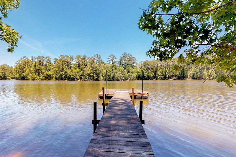 Secluded, waterfront home w/ a large yard, private dock, & water access!, vacation rental in Prosperity