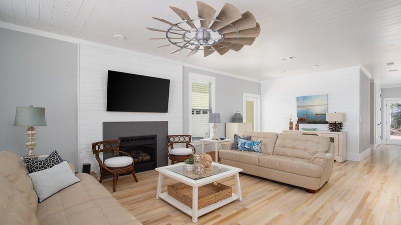 399 Seacrest Dr. | Flip Flop Flamingo-Living Room