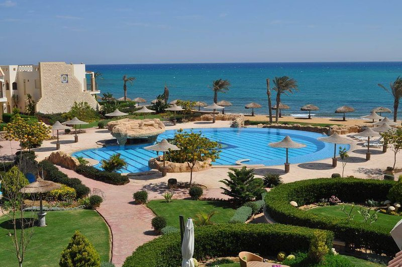 A stunning 2bedroom Apartment in one of the most luxurious Resort in Alsukhna Re, Ferienwohnung in Ain Sukhna