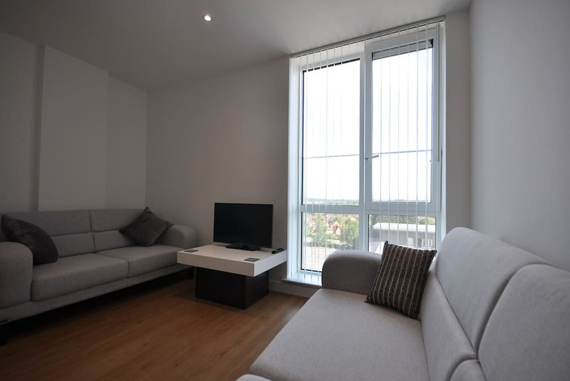 New Build 2 Bedroom Flat in the Heart of Bracknell, holiday rental in Sandhurst