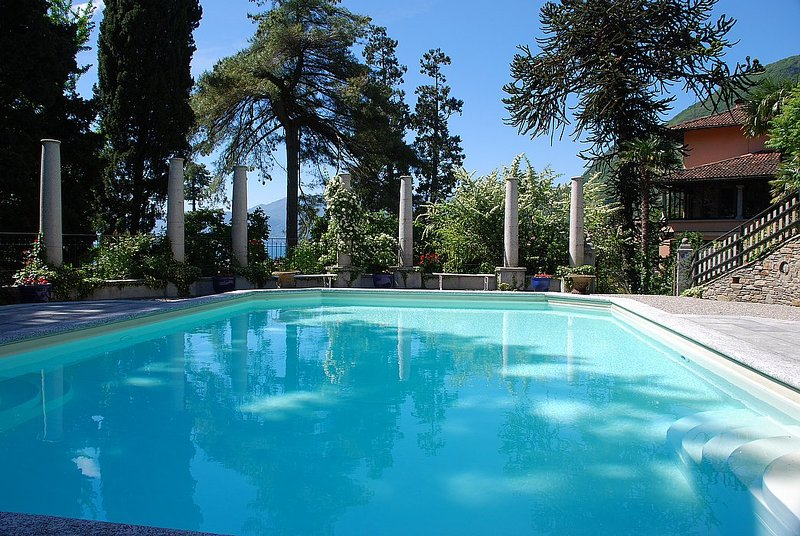 San Siro Villa Sleeps 20 with Pool and Air Con - 5229089, vacation rental in Acquaseria