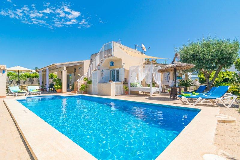 CAN CONTENT - Villa for 5 people in Playa De Muro, casa vacanza a Playa de Muro