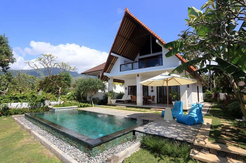 Villa Damai Amed - Stunning Beachfront Villa, vacation rental in Bunutan