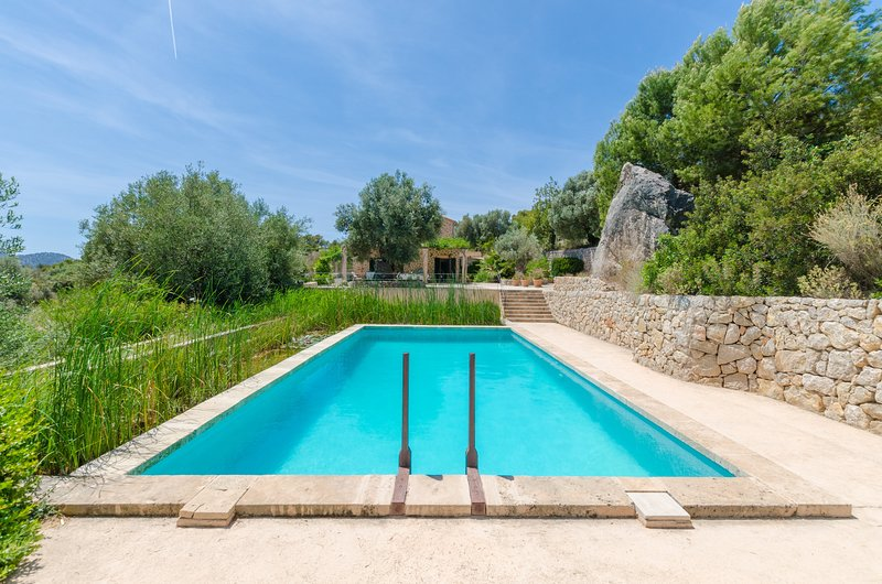PUIG DE GARRAFA - Villa for 8 people in Andratx, holiday rental in Santa Ponsa