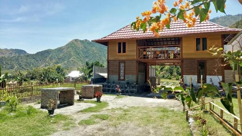 Bale Sembahulun Cottages & Tent, vacation rental in Sikur