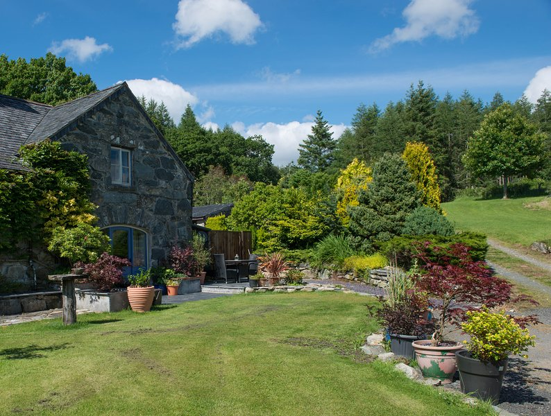 Ty Cerrig Carthouse, vacation rental in Snowdonia National Park