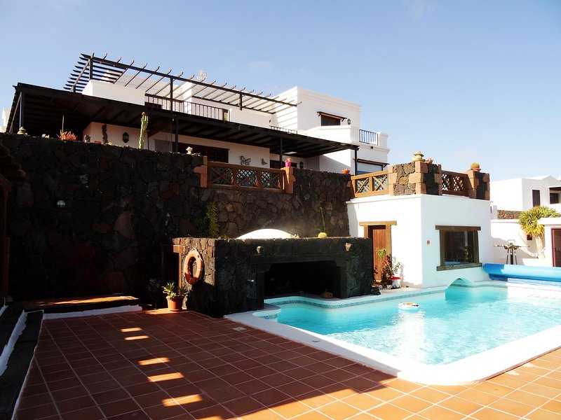 Casa Cristian, private Pool in quiet area in La Asomada with wonderful views, vacation rental in Conil