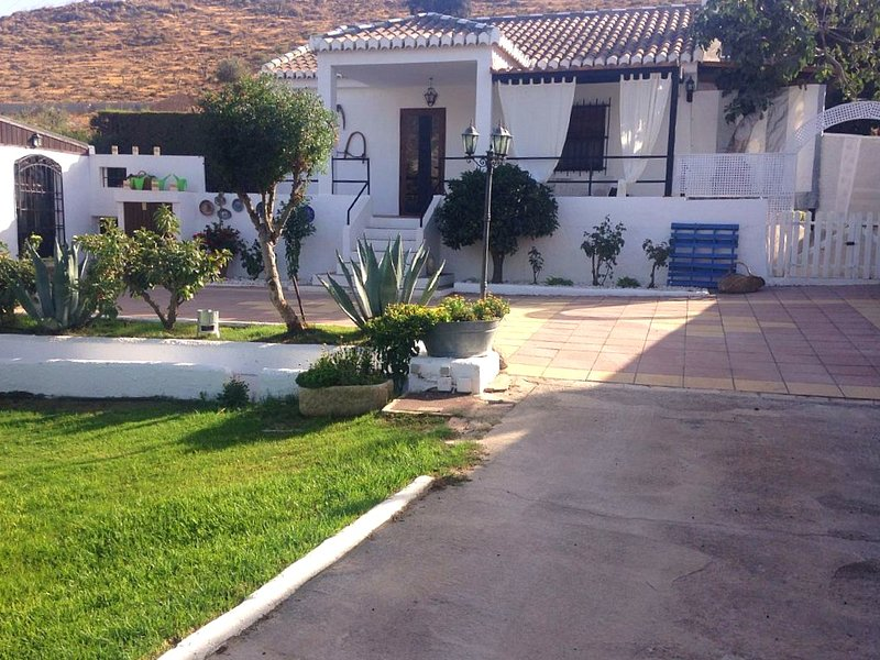 Nice villa with swimming-pool, vacation rental in Villamena