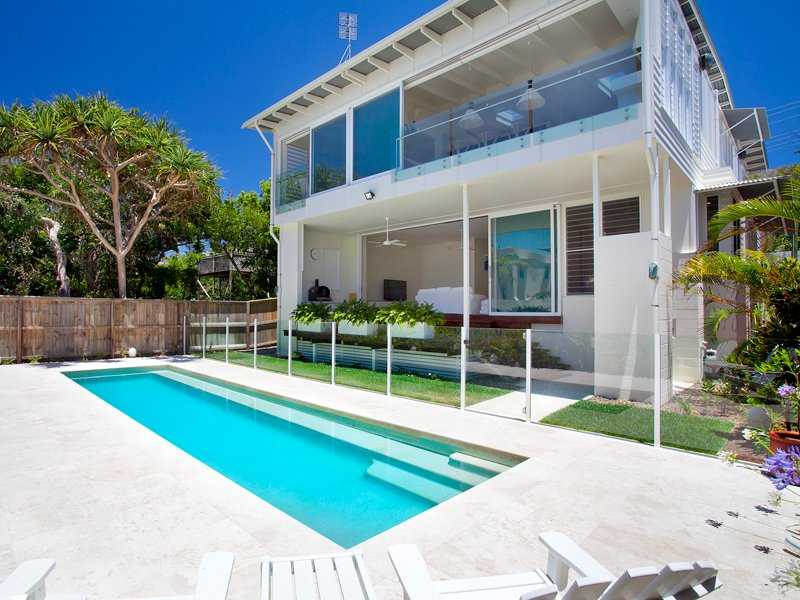 Luxury Family Beach House - Beach Holidays Noosa, vacation rental in Tewantin