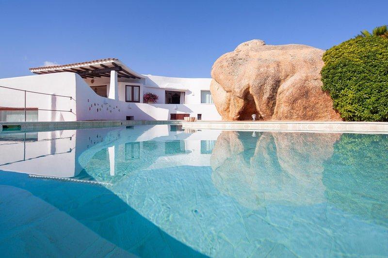 ISA12162 Villa Il Melograno, holiday rental in Palau