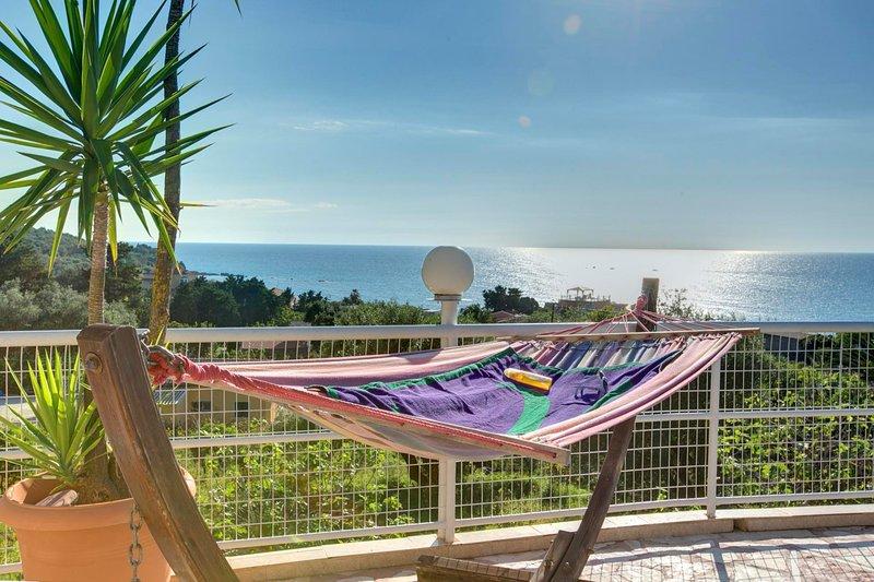 Paramonas Villa Sleeps 10 with Pool Air Con and WiFi - 5604806, holiday rental in Agios Matthaios