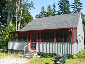 Maple Leaf Cabin near Hodgdon Pond, holiday rental in Seal Cove