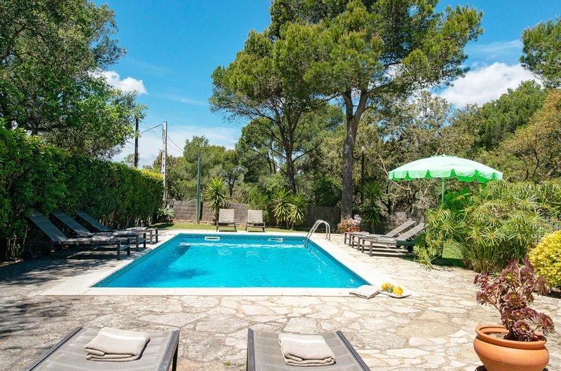Llafranc Villa Sleeps 10 with Pool Air Con and WiFi - 5604551, holiday rental in Llafranc